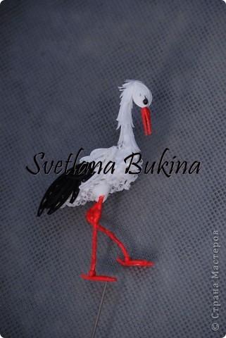 Всем доброго времени суток! Белый аист - птица, приносящая счастье в семьи, благородная и красивая. И я решила попробовать сделать его из бумаги, вот что у меня получилось :)