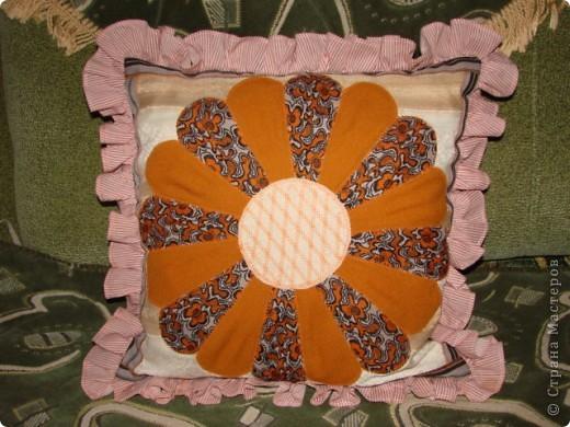 Подушка с ромашкой. фото 1