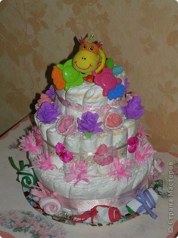 Торт из подгузников на Рождение дочки подруги.