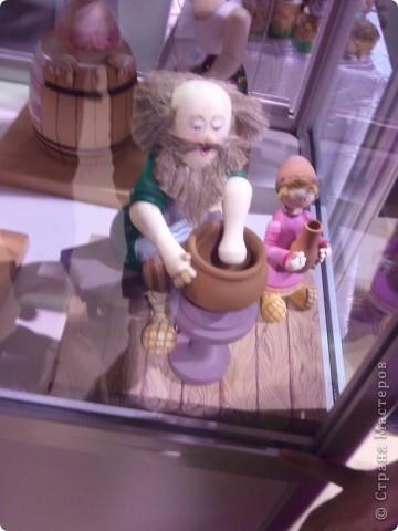 """Сегодня с младшей дочкой побывали на выставке - ярмарке """"Ладья"""" зима 2012,впечатлений ...ну просто переполняют,не могу удержаться ,чтоб не поделиться с вами Вот такая красотища хохломской лавочки встречает нас при входе фото 11"""