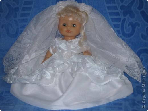 платье сшито для свадебной куклы на машину фото 1