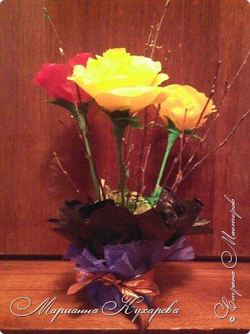 Конфетно-цветочный подарок фото 3