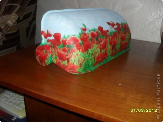 В придачу к уже существующим баночкам, бутылкам и горшкам сделала мамульке хлебницу в подарок к 8 Марта.  фото 2