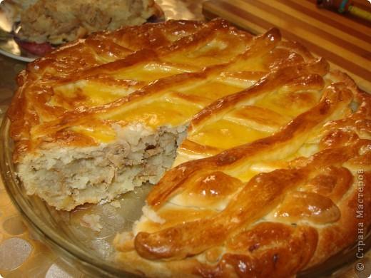 Пирог (начинка картошка с  мясом).