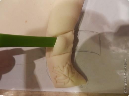 Картина панно рисунок Мастер-класс Праздник осени Лепка Листья желтые над городом кружатся  Тесто соленое фото 10
