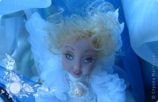 Появилась у меня такая девочка-ангелочек=) Сделана из запекаемого пластика на каркасе.  Около 24 см.. фото 1