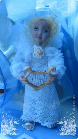 Появилась у меня такая девочка-ангелочек=) Сделана из запекаемого пластика на каркасе.  Около 24 см.. фото 4