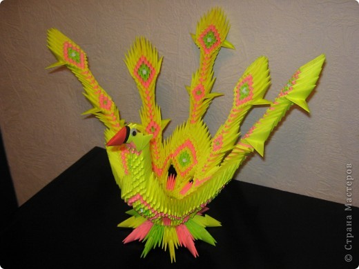 У данной птички первоначально предполагалось 7 перьев, но, неожиданно закончилась бумага))) фото 3