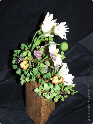Все цветы и зелень из запекаемой FIMO. ХФ еще не освоила, учусь. Подставка кора пальмы. фото 3