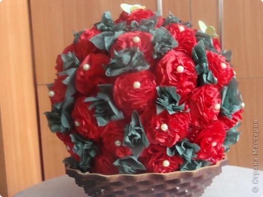 Вот и мой цветочно-салфеточный шарик