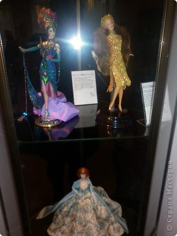 Недавно побывали с сынулей на выставке, делимся с вами. Куклы барби эксклюзивные выпуски по несколько штук партия фото 1