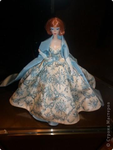 Недавно побывали с сынулей на выставке, делимся с вами. Куклы барби эксклюзивные выпуски по несколько штук партия фото 3