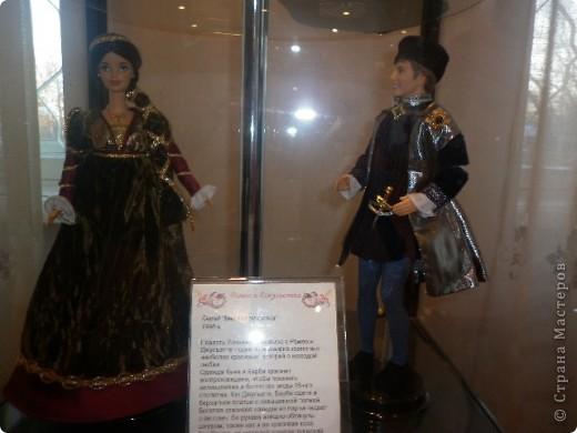 Недавно побывали с сынулей на выставке, делимся с вами. Куклы барби эксклюзивные выпуски по несколько штук партия фото 6