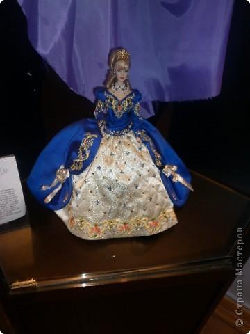 Недавно побывали с сынулей на выставке, делимся с вами. Куклы барби эксклюзивные выпуски по несколько штук партия фото 8
