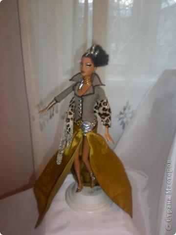 Недавно побывали с сынулей на выставке, делимся с вами. Куклы барби эксклюзивные выпуски по несколько штук партия фото 18
