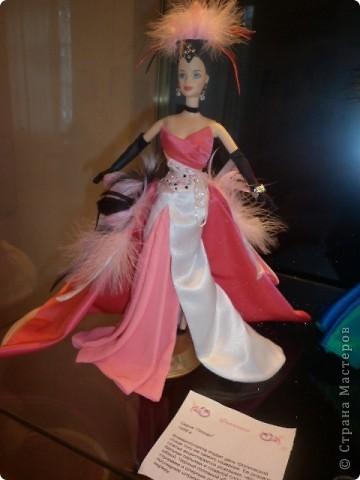 Недавно побывали с сынулей на выставке, делимся с вами. Куклы барби эксклюзивные выпуски по несколько штук партия фото 20