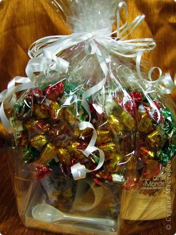 8 Марта из конфет  фото 2