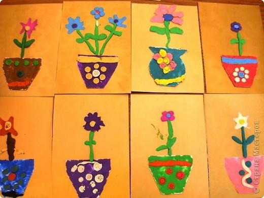Шляпки-открытки для мам приготовили ребята 5-5,5 лет. Цветы из мокрой бумаги. фото 5