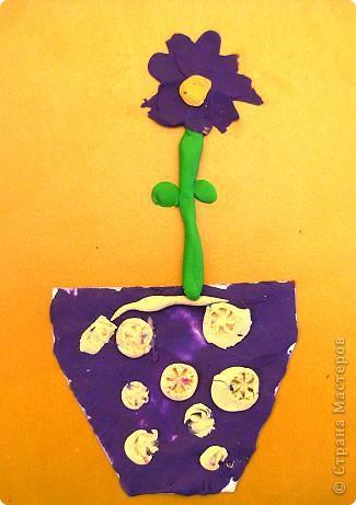 Шляпки-открытки для мам приготовили ребята 5-5,5 лет. Цветы из мокрой бумаги. фото 8