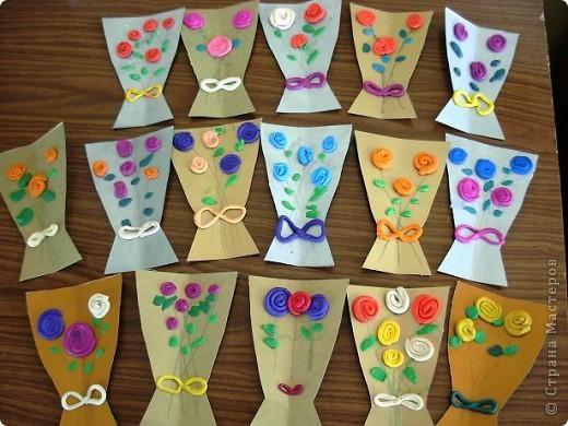Шляпки-открытки для мам приготовили ребята 5-5,5 лет. Цветы из мокрой бумаги. фото 10