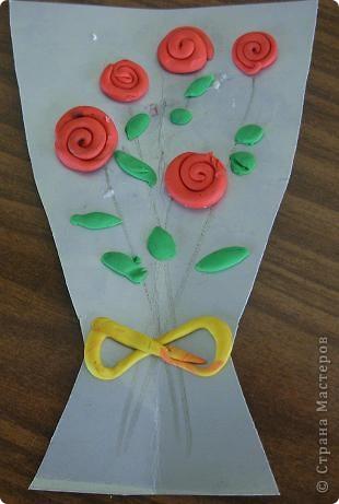 Шляпки-открытки для мам приготовили ребята 5-5,5 лет. Цветы из мокрой бумаги. фото 11