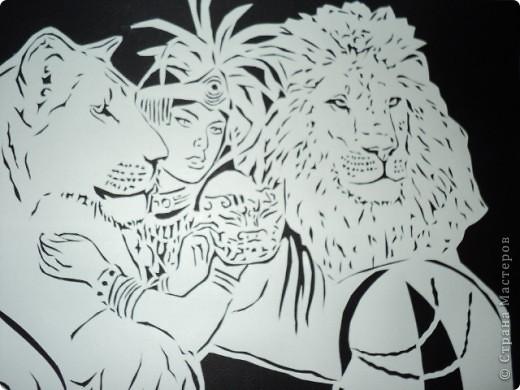 Девушка со львами фото 1