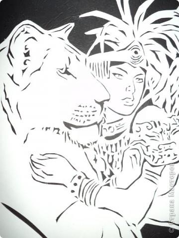 Девушка со львами фото 2
