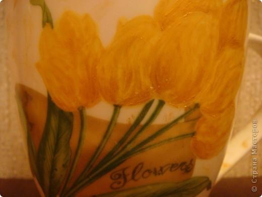 """Продолжаю свои попытки в свит-дизайне. Сделала подарочек хорошему человечку - моей помощнице на работе, няне. """"Вырастила"""" тюльпаны в чашке к празднику! :-) фото 6"""