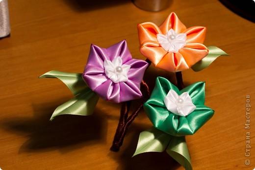 я сделала этот цветок на 3-й день после моего первого знакомства с канзаши )  фото 7