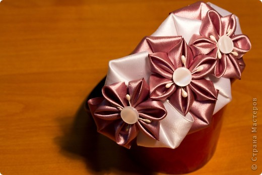 я сделала этот цветок на 3-й день после моего первого знакомства с канзаши )  фото 8