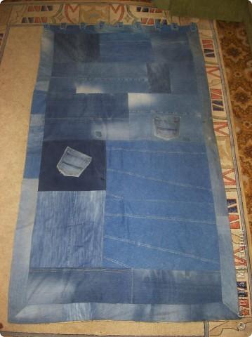 Я никогда не выбрасываю старые джинсы. Потому, что из них могут получиться удобные и веселые пенальчики для раздаточного материала детям...молнии из джинсов прекрасно подойдут в качестве застежек для пенальчиков.... фото 3