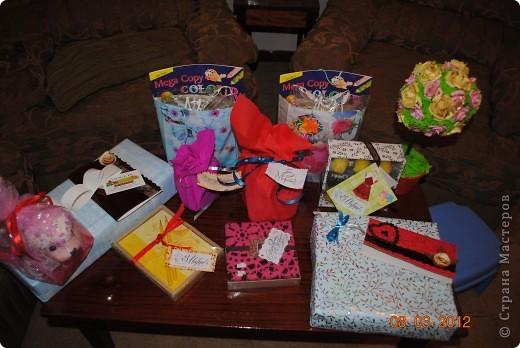 Поздравляю всех мастериц с 8 марта! А вот и мои подарочки ждут своих новых владельцев. фото 1