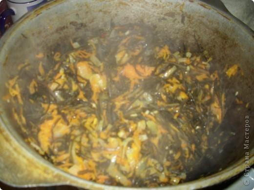 Рецептов приготовления морской капусты очень много. Это мой фирменный рецепт. Он основан на общении с корейцами и изучении корейской кухни. Попробуйте. Салат такой полезный! фото 10