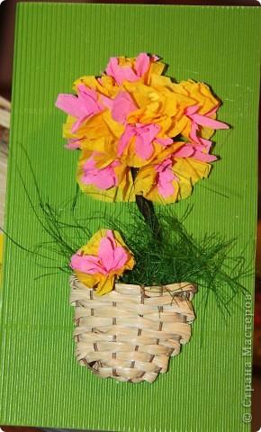 Доброго всем времени суток! Вот сделали с мальчишками открытки на 8 марта для воспитателей, сегодня пойдем поздравлять. Надеемся им понравятся наши подарки. фото 3