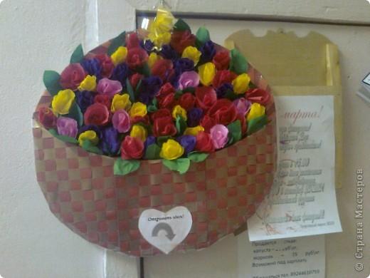 """Вот такую открытку мои мальчишки сделали для всех женщин нашей школы! Розы делали по мк """"Миллион роз"""" Татьяны Просняковой. фото 3"""