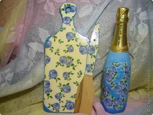 Вот такие подарочки к 8 Марта получились у нас с дочкой. Это первый - доска разделочная,  лопаточка. фото 14