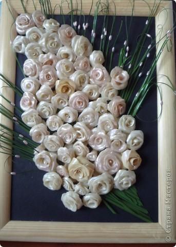 букетик роз на 8 марта