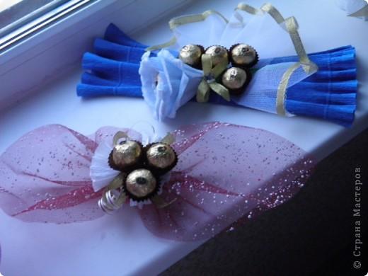 Подарочки к 8 марта букеты из конфет фото 3