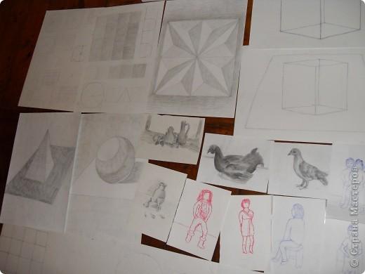 Это картины выполненные карандашом и углём(есть 2 выполненные фломастеом и несколько ручкой). фото 1