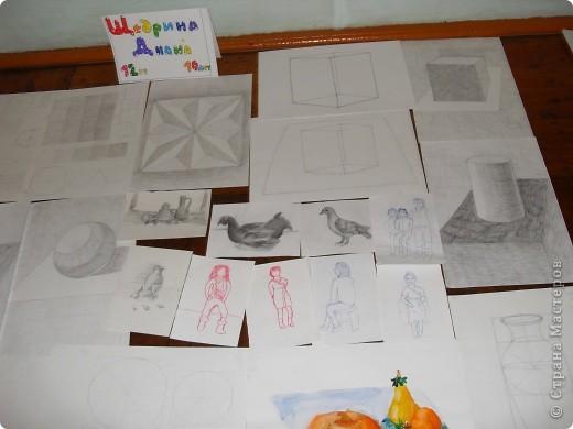 Это картины выполненные карандашом и углём(есть 2 выполненные фломастеом и несколько ручкой). фото 5