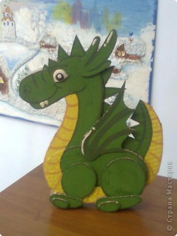 Объёмный дракончик из гофрированного картона.. фото 1