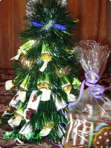 Елочки из конфет. фото 3