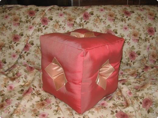 Подушка-куби, со сквозными отверстиями фото 1