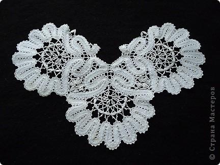 Жабо для украшения платья. Сплетено из белых ниток х/б, белого ириса. фото 1