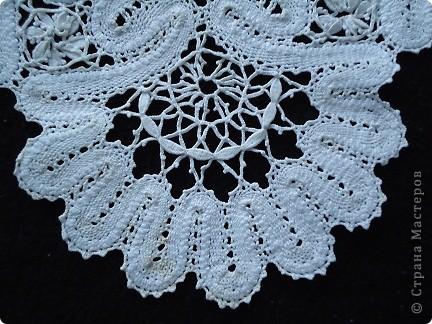 Жабо для украшения платья. Сплетено из белых ниток х/б, белого ириса. фото 2