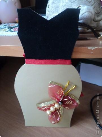 Открытка в форме платья для мамы и бабушки моего молодого человека. фото 1
