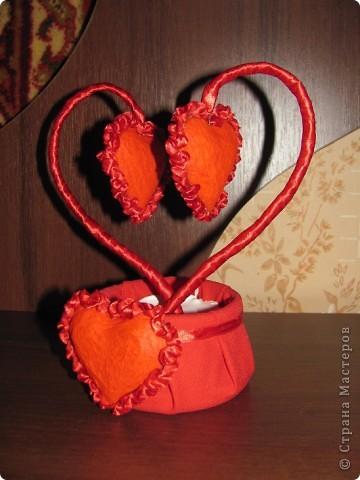 """Изначально собиралась сделать из обрезков салфетки магнитики в виде сердечек, но в итоге получилось """"Сердечное дерево"""" в форме сердца.  фото 2"""