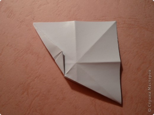 Рада всех приветствовать!  Хочу показать две новые работы. Придумались случайно.  В основе - один модуль с небольшим различием в складывании, собираются на клей.  Очень приятный шипастик с такими же длиной и глубиной шипов, как у Igel Екатерины Лукашевой.  Name: Acacia blossom Desinger: Uniya Filonova Parts: 30 Paper: 6,5*6,5 Final: ~12 sm  Joint: with glue фото 13