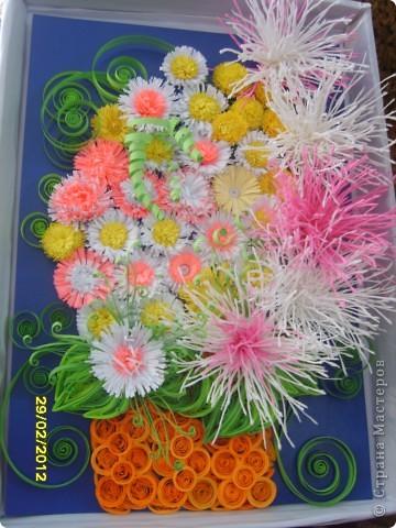Здравствуйте дорогие мастерицы! Сделала букетик своей маме на 8 марта,она была довольна,а я осталась не довольна вазой-маловата. фото 2
