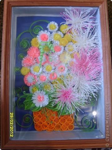 Здравствуйте дорогие мастерицы! Сделала букетик своей маме на 8 марта,она была довольна,а я осталась не довольна вазой-маловата. фото 1